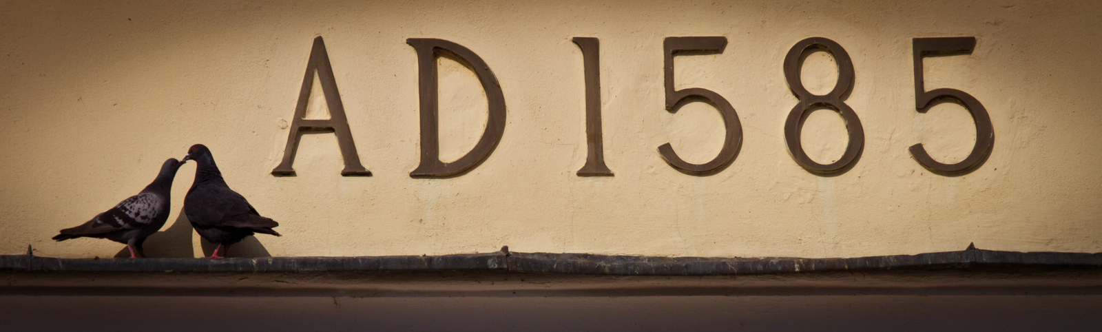 AD1585