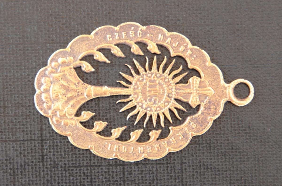 Medalion znaleziony przy plebanii.