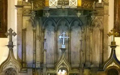 Odrestaurowany konfesjonał